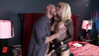 Stupendous big titted blond Tristyn Kennedy decided to make love in the late afternoon